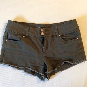 Mid-rise olive green shorts